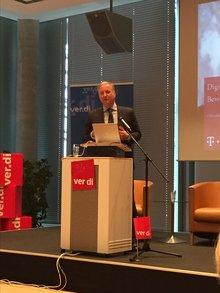 Peter Kerckhoff, Deutsche Telekom, auf der Medienpolitischen Tagung beim MDR in Leipzig