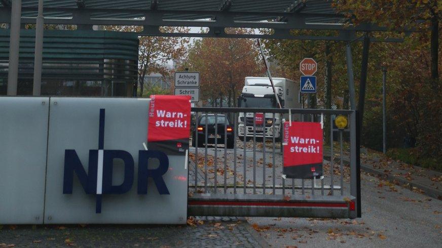 Warnstreik beim NDR in Hamburg Lokstedt