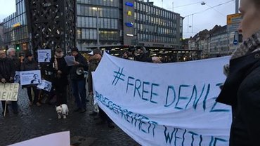 Demo Bielefeld für Deniz Yücel