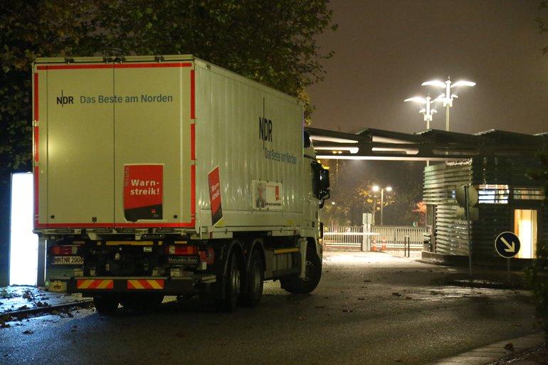 Die Fahrbereitschaft beteiligt sich am Warnstreik im NDR. Die LKW's stehen still