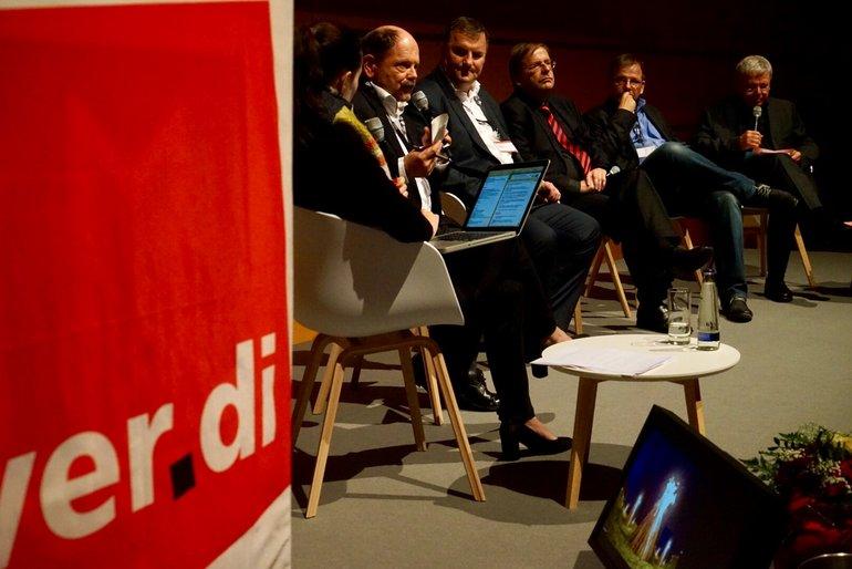 "Medienpolitische Tagung ""Rundfunk im Abseits"": Vivian Perkovic, Rolf Rainer Gecks, Axel Balkausky, Dr. Rainer Koch, Hajo Seppelt, Uli Röhm (v.l.n.r.)"