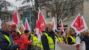 Streikende in Lokstedt